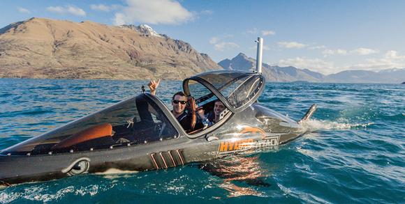 梦见有鲨鱼船翻了