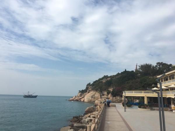 外伶仃岛 游记     直奔酒店,整个岛屿很小,有一部分军事管理区是封闭