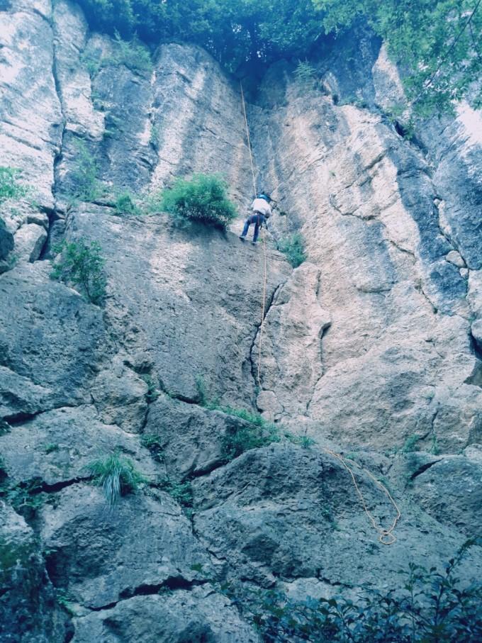 鹤鸣山攀岩记