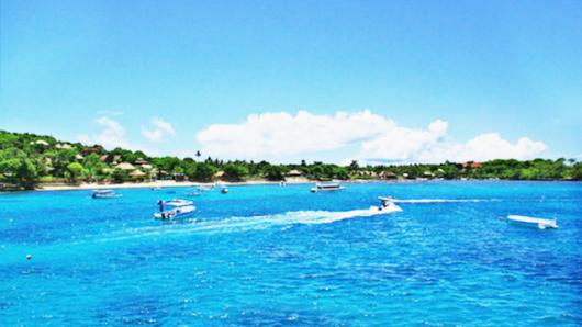 让我们迎着海风唱着歌,欢快的抵达梦想中的美丽小岛