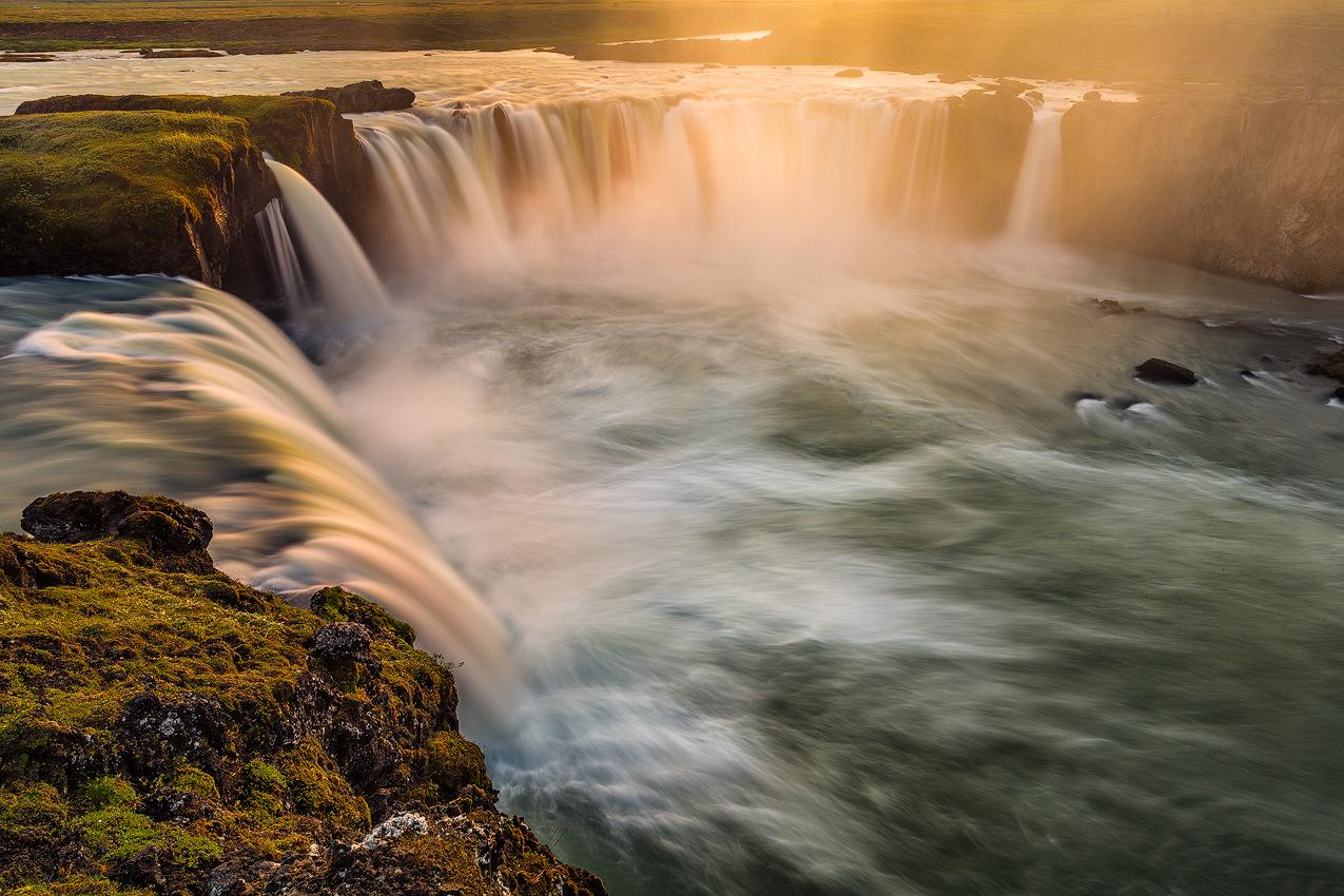 冰岛冬季8天7夜奇境探索之旅(斯奈山半岛+蓝冰洞+黑沙滩+冰河湖+黄金圈+蓝湖温泉)