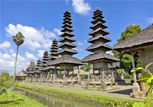 巴厘岛木雕村 乌布皇宫 圣猴森林公园 塔曼阿韵寺一日游 (中文导游 鸭