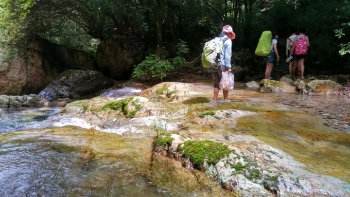 深沟,省级森林公园,贵州省黔南州独山县东北35公里,一颗藏在山沟