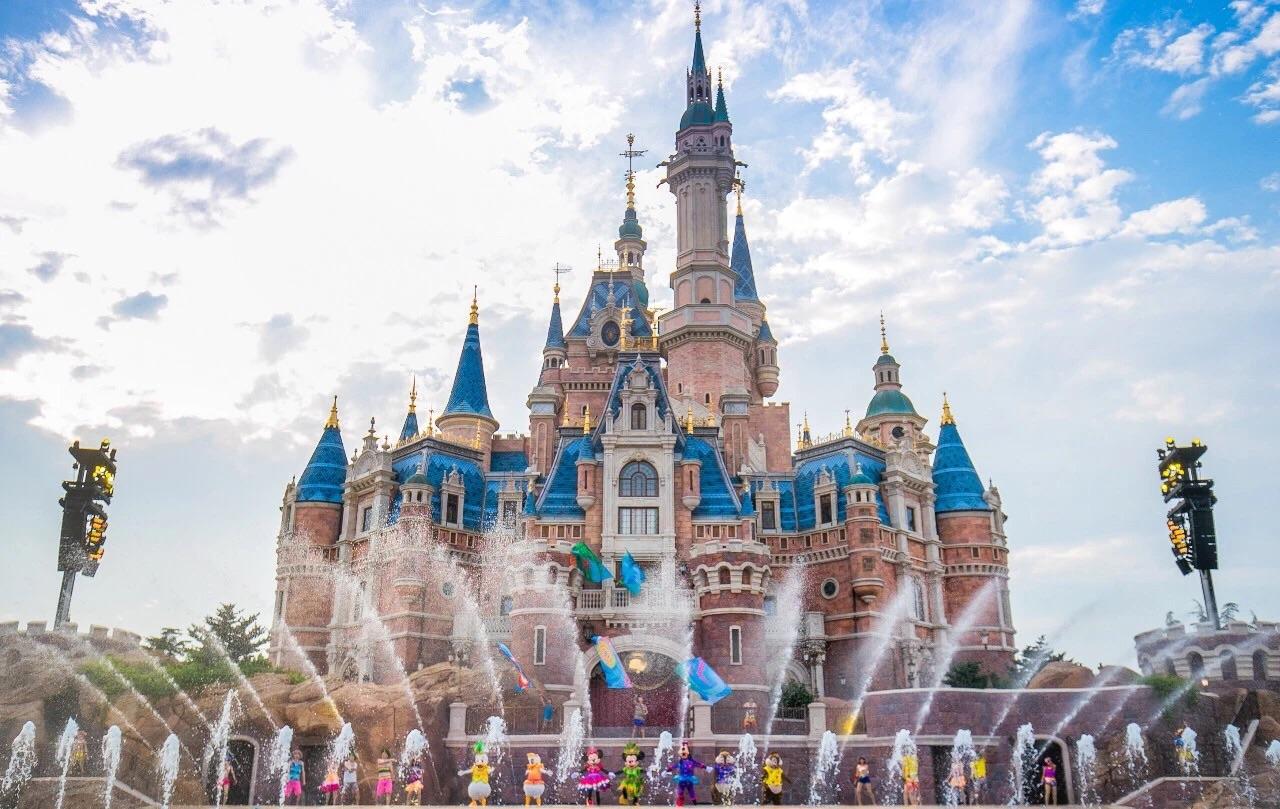 上海迪士尼乐园人均消费_上海迪士尼乐园