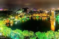 荡漾在桂林两江四湖,感受着桂林山水的柔情时光