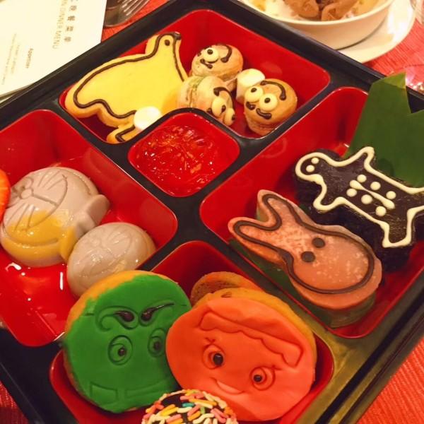 这是额外收费的儿童套餐里面的点心盒子图片