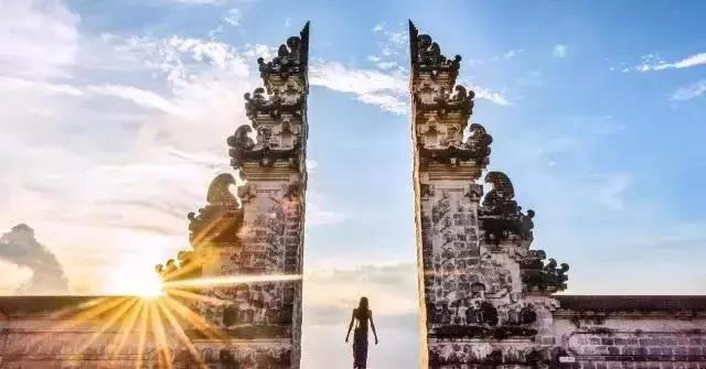 一次性打卡巴厘岛网红景点,还有那些极为惊艳的民宿酒店