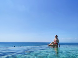 ·巴厘岛休闲行——泡酒店、无边泳池、漂浮早餐_游记