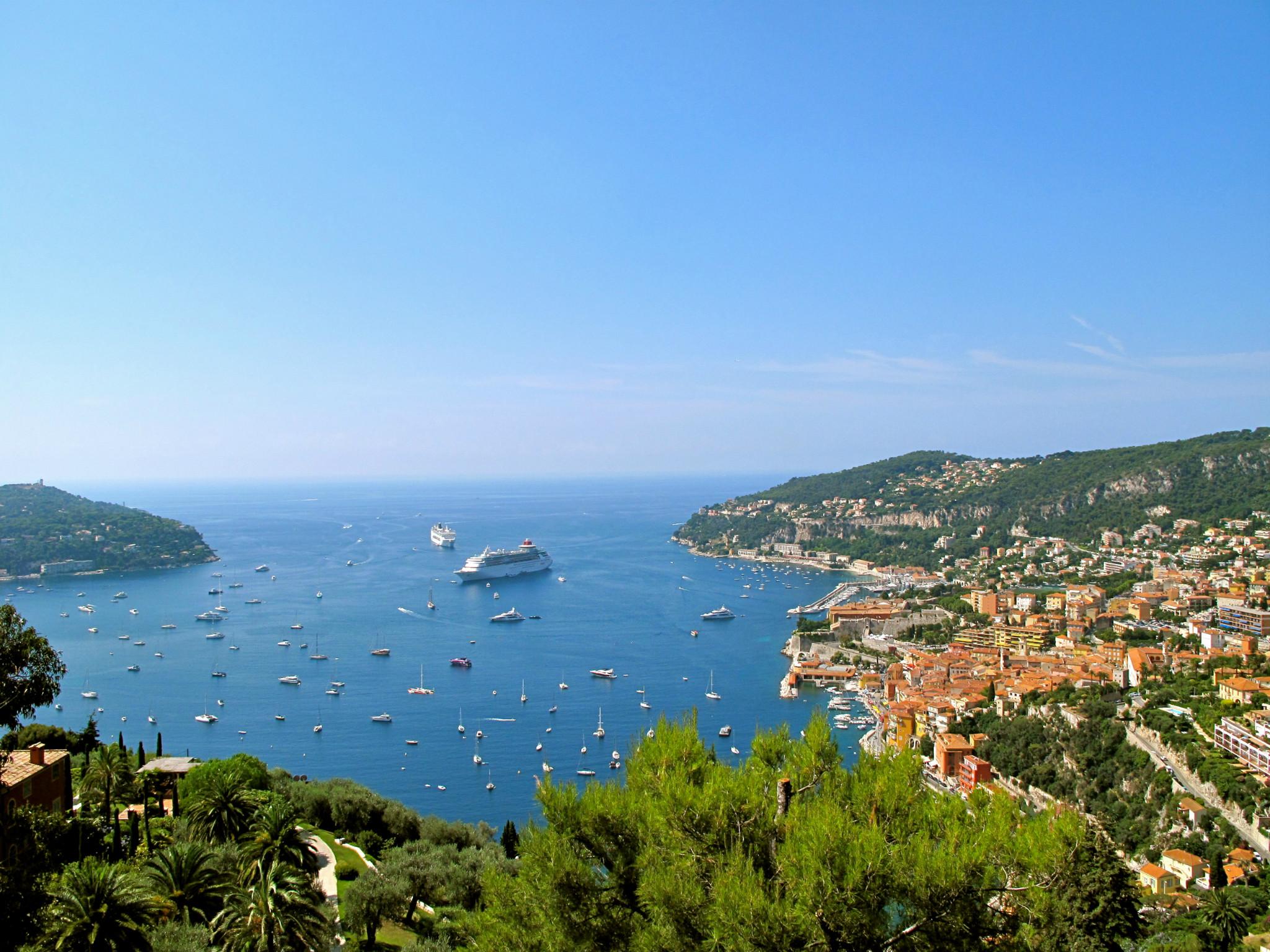 在法国尼斯,享受一个地中海的悠长假日