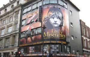 英國娛樂-女王劇院