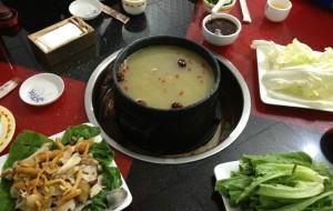 西藏美食-鲁朗石锅鸡