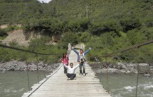 【乡城图片】川藏之旅----奔腾的硕曲河