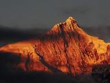 梅�Y雪山