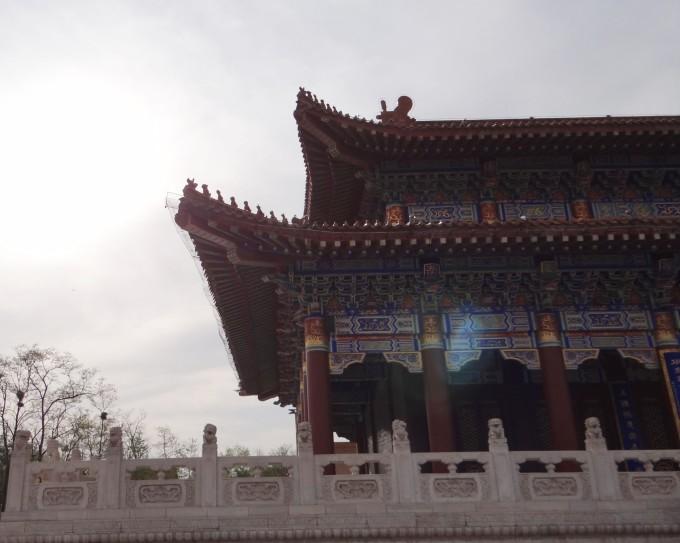 二一九公园,内有鞍山市动物园,东山游乐园,鞍山博物馆三大知名建筑.