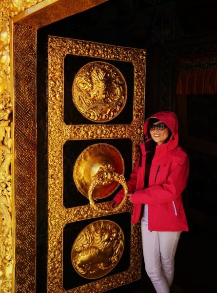 六字大明咒 唵嘛呢叭咪吽,是大慈大悲观世音   菩萨   咒,源于梵文,象征一切诸   菩萨   的慈悲与加持.图片