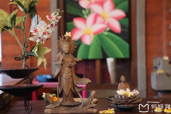 巴厘岛 游记   二楼收银台上的神像.