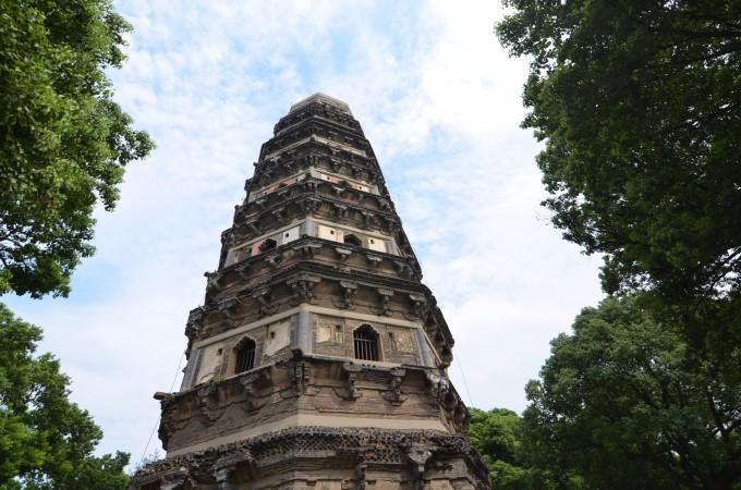 现在虎丘塔已经是苏州的一大象征