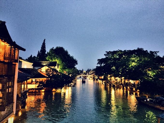 义乌夜晚风景图片