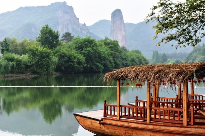 赵侯祠为纪念汉代的赵炳所建,是仙都最古老的寺庙之一.