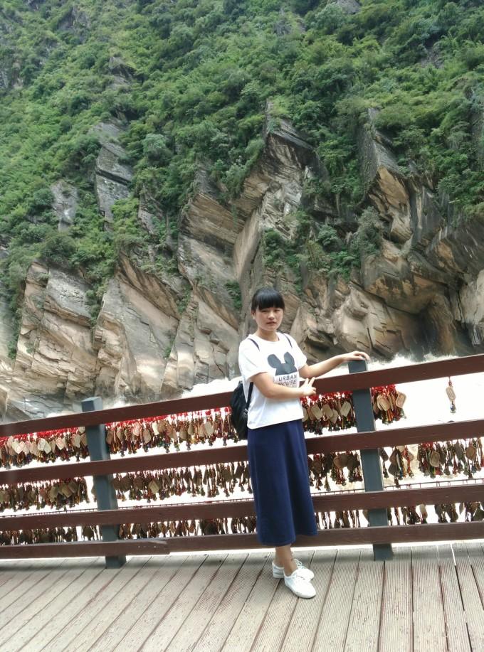 云南风景自拍照片女孩