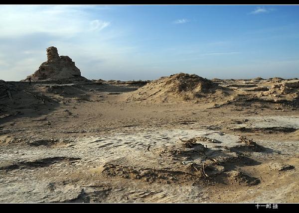 大漠里干涸的湖——穿越罗布泊与楼兰古城
